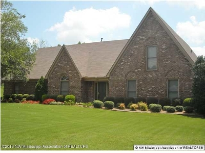 Olive Branch Single Family Home For Sale: 7895 Hunters Creek Dr