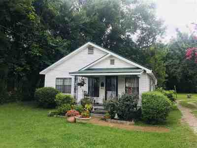Savannah Single Family Home For Sale: 270 Cumberland