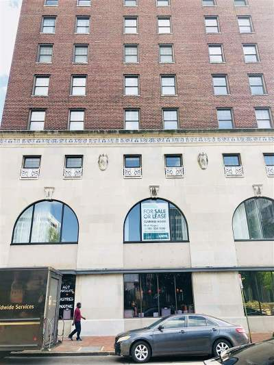 Condo/Townhouse Contingent: 109 N Main #1102
