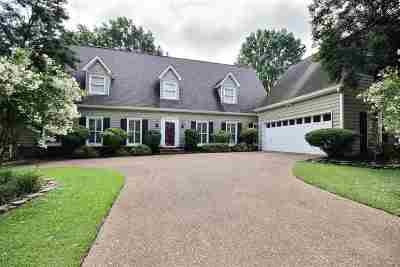 Collierville Single Family Home For Sale: 2810 E Levee Oaks