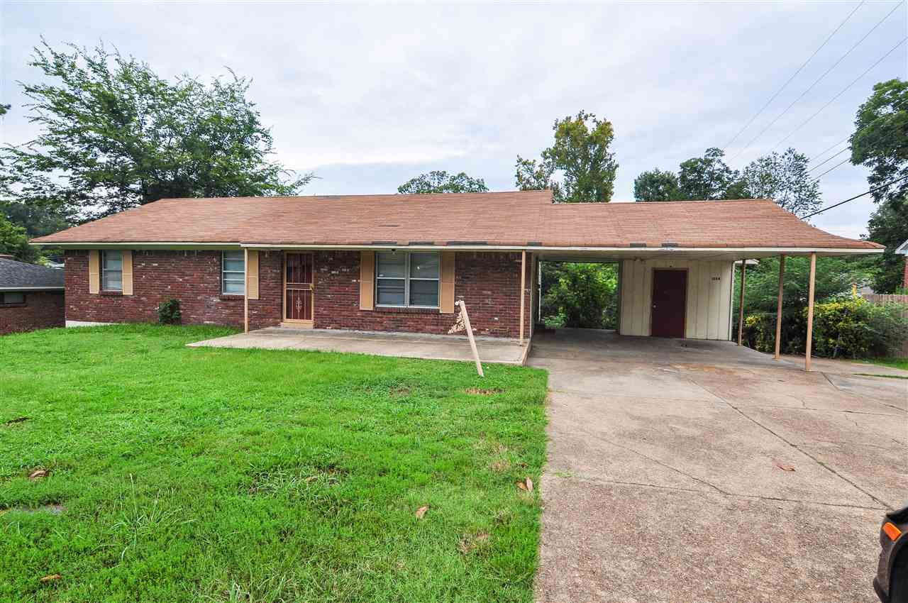 5 bed / 2 full, 1 partial baths Home in Memphis for $105,000