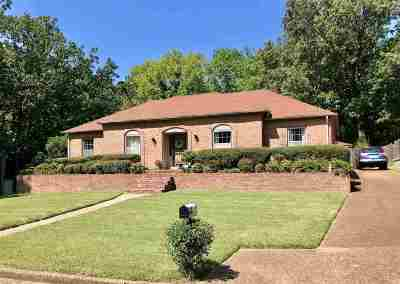 Memphis Single Family Home For Sale: 2233 Chippingham