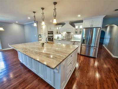 Memphis Single Family Home For Sale: 3658 Poplar