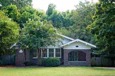Vollintine Evergreen Single Family Home Contingent: 690 N Evergreen