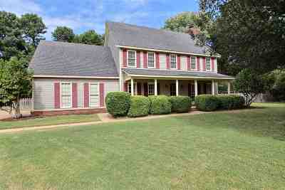 Collierville Single Family Home For Sale: 1210 W Forest Wood