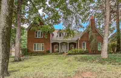 Memphis Single Family Home For Sale: 2044 Steeplebrook