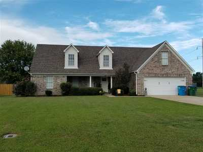 Atoka Single Family Home For Sale: 104 Williamsburg