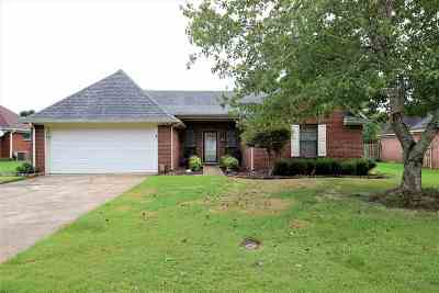 Olive Branch Single Family Home Contingent: 5818 Southbend
