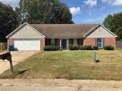 Brighton Single Family Home For Sale: 112 Countryside