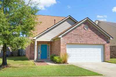 Arlington Single Family Home Contingent: 12056 Misty Trail