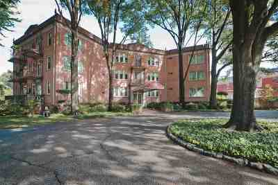 Central Gardens Condo/Townhouse Contingent: 1426 Central #102