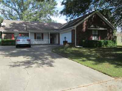 Millington Single Family Home For Sale: 7958 Mary Lynn