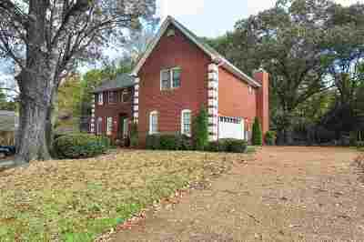 Collierville Single Family Home Contingent: 750 Crestover