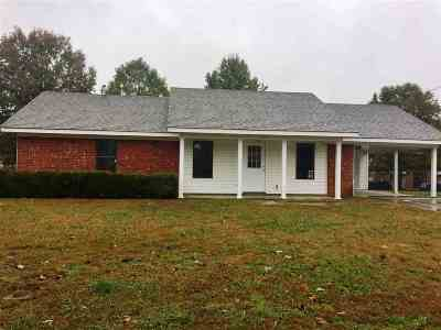 Covington Single Family Home For Sale: 724 Town Creek