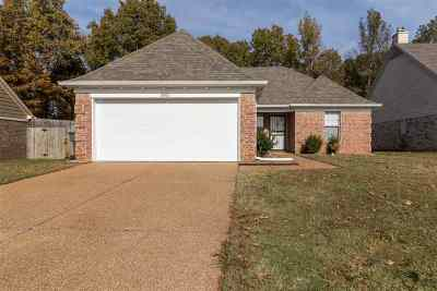 Memphis Single Family Home For Sale: 10100 Cameron Ridge