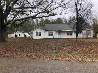 Michie Single Family Home For Sale: 2054 Melvin Qualls