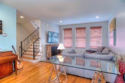 Condo/Townhouse For Sale: 49 Vance #49