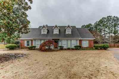 Collierville Single Family Home For Sale: 1207 W Forest Wood