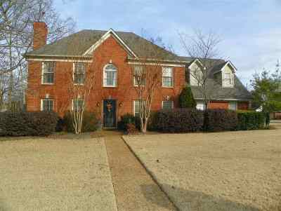 Collierville Single Family Home Contingent: 290 Songbird