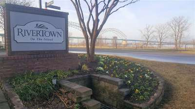 Memphis Condo/Townhouse For Sale: 380 N Island #305