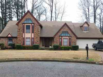 Memphis Single Family Home For Sale: 4756 Forest Lakes