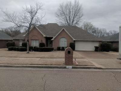 Collierville Single Family Home Contingent: 1060 Sweetie