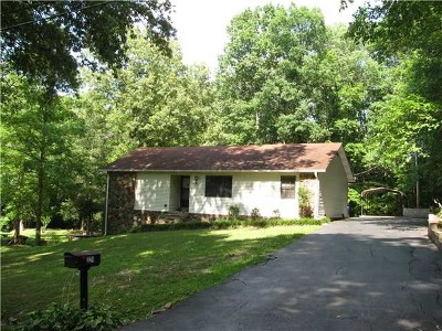 Single Family Home Sold: 324 Hickory