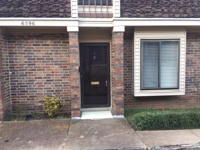 Germantown Condo/Townhouse For Sale: 6596 S Poplar Woods #4