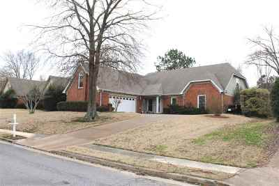 Memphis Single Family Home For Sale: 8277 Weatherwood