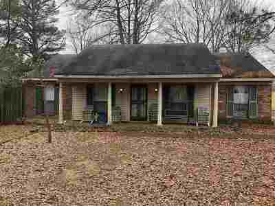 Memphis Single Family Home For Sale: 2091 Woodfield Park