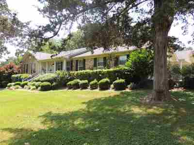 Savannah Single Family Home For Sale: 245 Poplar