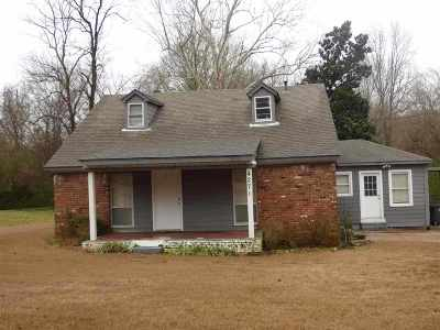 Single Family Home Contingent: 4271 N Germantown