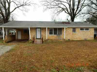 Single Family Home For Sale: 1801 Cotton