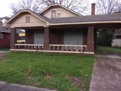 Single Family Home For Sale: 615 Eva