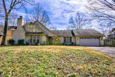 Bartlett Single Family Home Contingent: 5923 Spruce Hollow