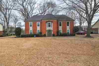Collierville Single Family Home Contingent: 3530 Beaver Run