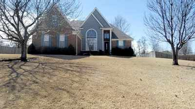 Atoka Single Family Home Contingent: 243 Williamsburg