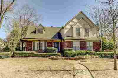 Collierville Single Family Home Contingent: 1354 Creek Valley