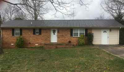 Waynesboro Single Family Home For Sale: 121 Steele