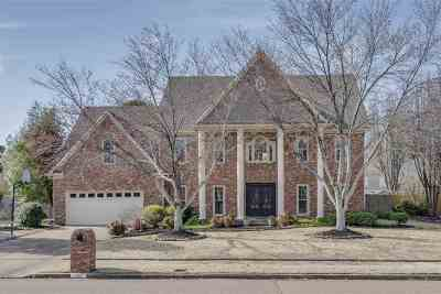 Collierville Single Family Home Contingent: 1317 Creek Valley
