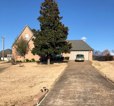 Atoka Single Family Home For Sale: 210 Timothy