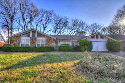 Memphis Single Family Home For Sale: 5231 Longwood