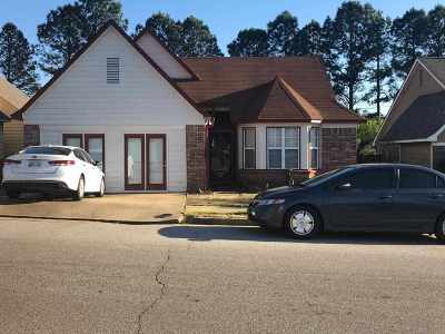 Memphis Single Family Home For Sale: 5901 Hickory Commons