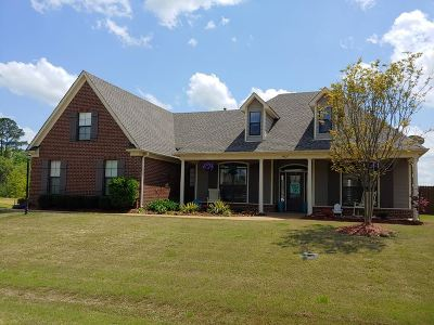 Olive Branch Single Family Home For Sale: 14627 Smokey