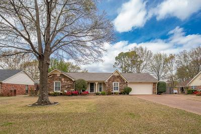 Collierville Single Family Home Contingent: 126 W Valleywood
