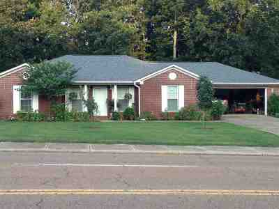 Adamsville Single Family Home For Sale: 930 Maple