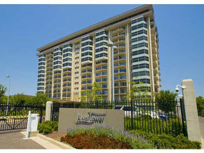 Condo/Townhouse For Sale: 655 Riverside #305A