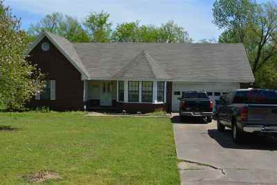 Single Family Home Sold: 518 Country Meadow