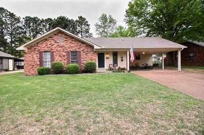 Collierville Single Family Home Contingent: 376 Laura Ann