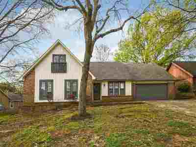 Memphis Single Family Home For Sale: 7003 Oakland Chase